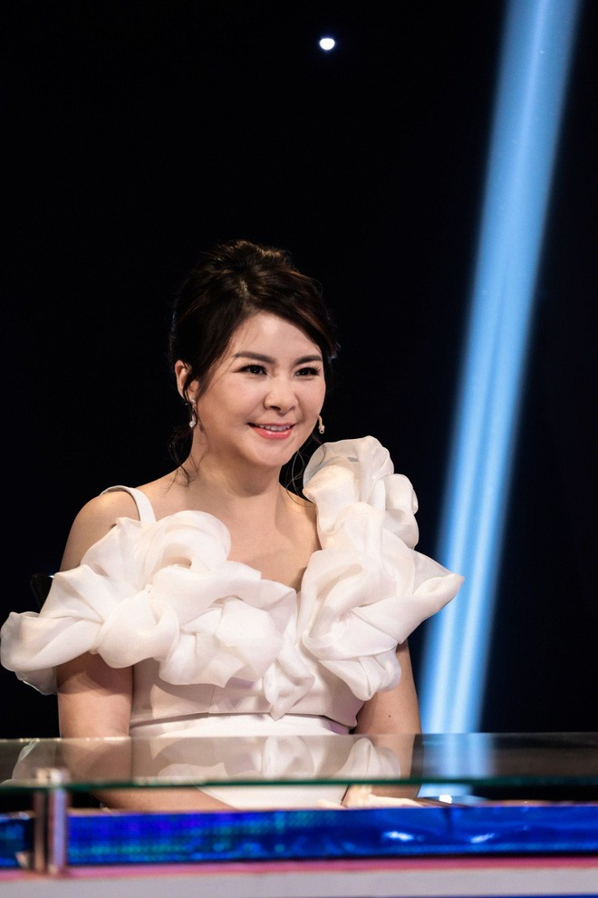 Bị chỉ trích nặng nề khi ngồi ghế nóng cùng Mr Đàm, Quang Linh, Kim Oanh chính thức lên tiếng - ảnh 4