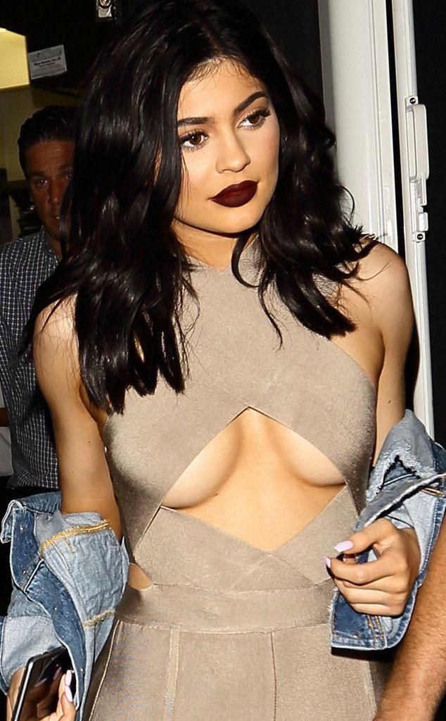 Em gái Kim Kardashian: 20 tuổi đã sắp soán ngôi Mark Zuckerberg, sống xa hoa không tưởng - Ảnh 1.