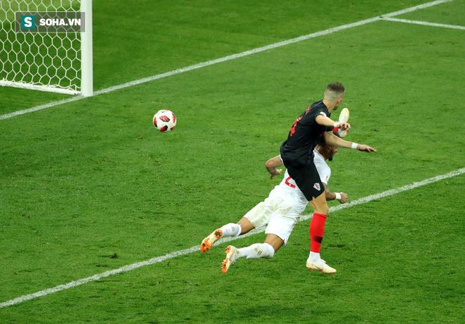 World Cup 2018: Tam sư thua cay đắng, CĐV Anh muốn tính sổ với trọng tài - Ảnh 1.
