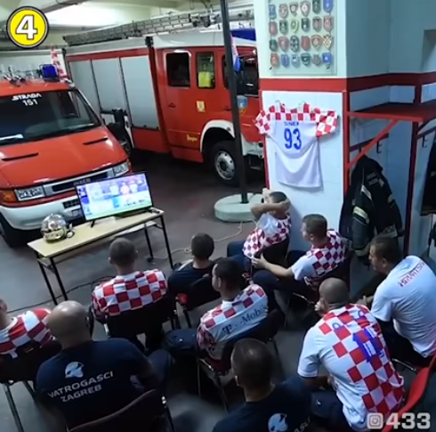 Yêu bóng đá nhưng không quên nhiệm vụ, lính cứu hỏa Croatia bỏ lỡ khoảnh khắc lịch sử World Cup - Ảnh 1.