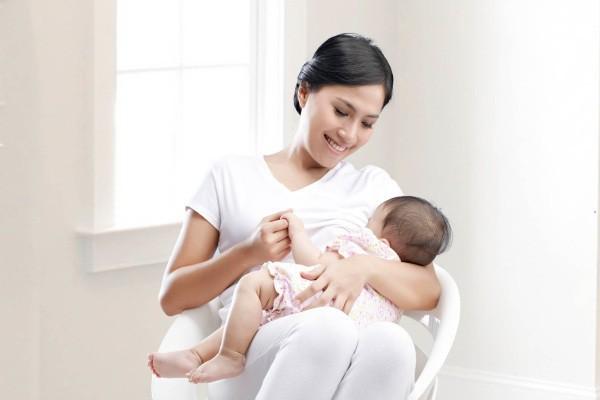 Không phải móng giò, chuyên gia tư vấn nên bổ sung 7 loại thực phẩm này để tăng lượng sữa mẹ - Ảnh 1.