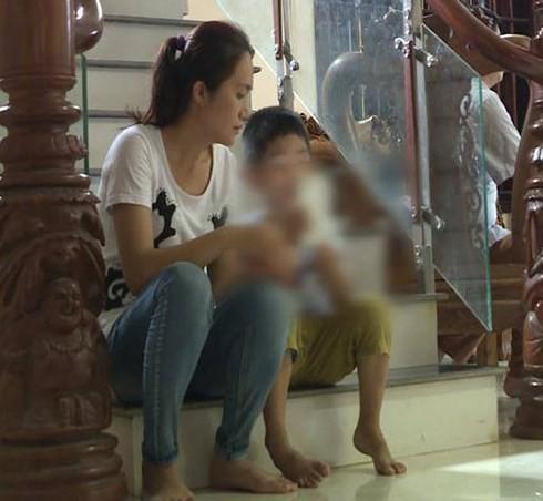 Vụ trao nhầm con ở Hà Nội: Rớt nước mắt vì lời con trẻ - Ảnh 1.