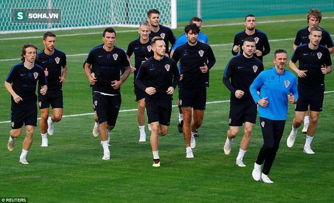 Không khí căng thẳng, nặng nề trong buổi tập của dàn sao Croatia - Ảnh 2.