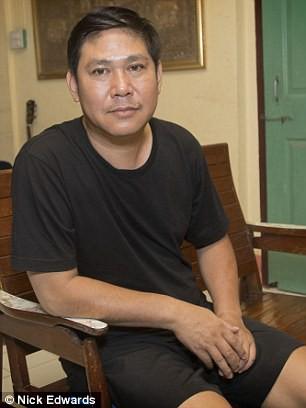 Cào bùn bằng tay, thay phiên đứng-ngồi và những kí ức khó quên trong 9 ngày mắc kẹt ở hang Tham Luang - Ảnh 1.