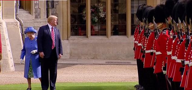 Tổng thống Trump mắc lỗi khiến Nữ hoàng Anh bối rối trong lễ duyệt binh - Ảnh 4.