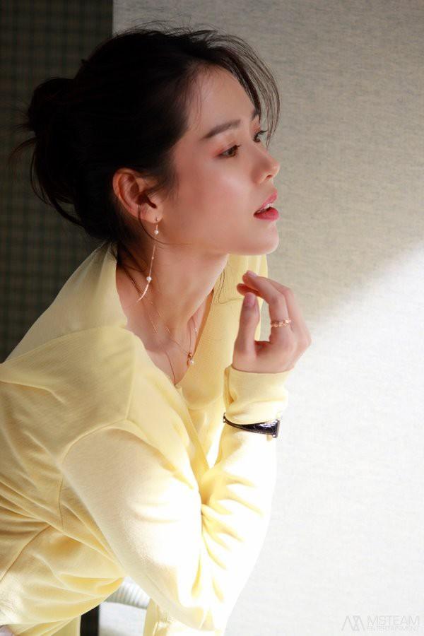 Hình hậu trường của Son Ye Jin chứng minh tường thành nhan sắc thì không cần photoshop - ảnh 13
