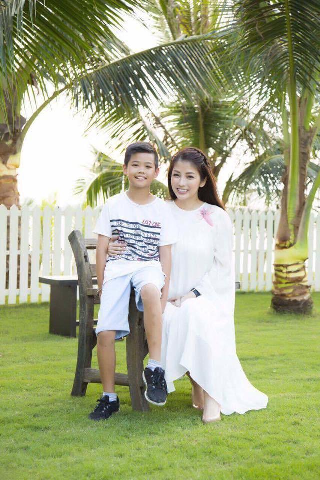 Cuộc sống viên mãn của bà mẹ Hà thành, U50 vẫn trẻ xinh thách thức thời gian - ảnh 7