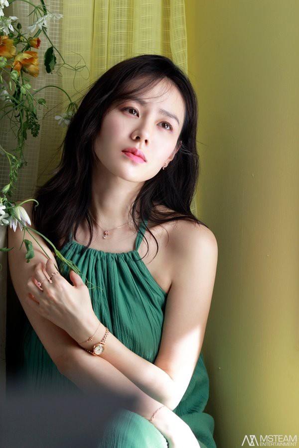 Hình hậu trường của Son Ye Jin chứng minh tường thành nhan sắc thì không cần photoshop - ảnh 8
