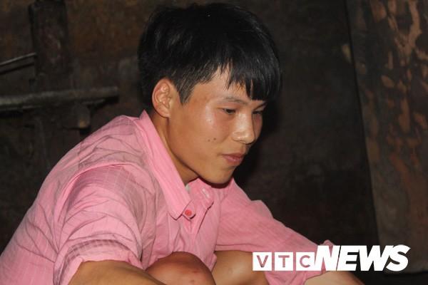 Gặp lại anh chàng đẹp trai quanh năm cởi truồng gây sốt ở Hà Giang - Ảnh 4.
