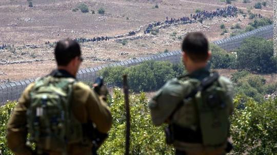Israel khuyến cáo thường dân Syria tránh xa biên giới - Ảnh 2.