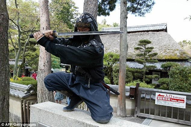 Nhật Bản đang thiếu hụt ninja, trả lương đến 2 tỷ/năm vẫn không ai chịu làm - Ảnh 2.