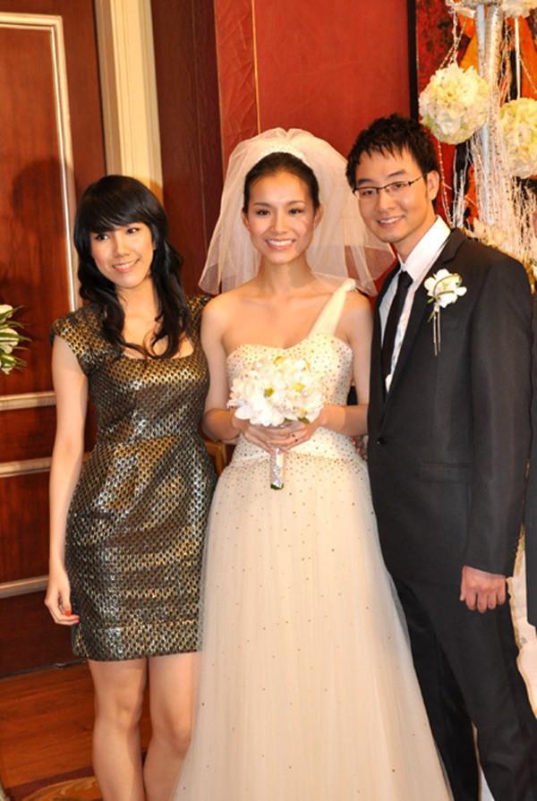 4 cô em gái xinh đẹp của các nàng Hoa hậu Việt: Người kín tiếng với cuộc sống gia đình, người giàu có, kém duyên với cuộc thi nhan sắc - Ảnh 1.