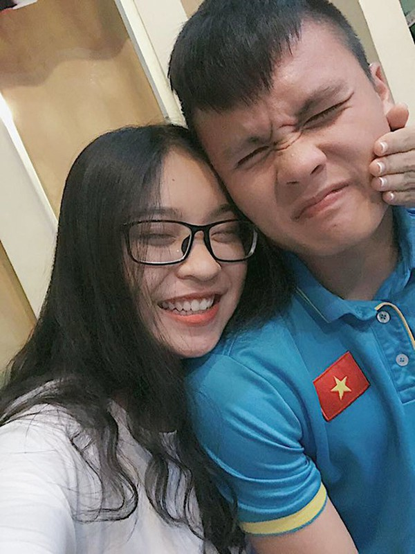 Image result for bạn gái quang hải