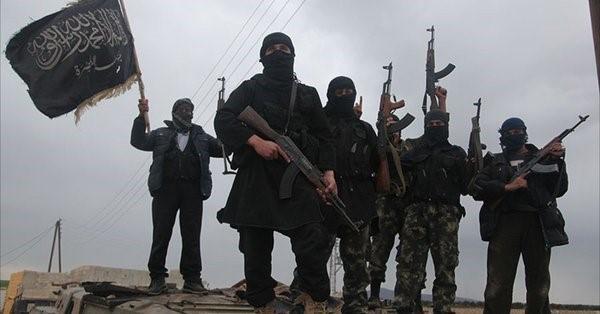 Mỹ giao dịch với quỷ dữ, tên lửa chống tăng TOW tràn ngập, QĐ Syria tổn thất nặng - Ảnh 1.
