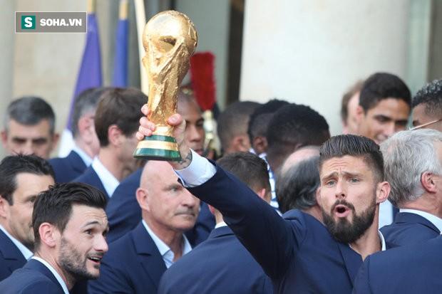 Lên ngôi chưa được 1 tuần, nhà vô địch World Cup 2018 đã bị CLB hắt hủi - Ảnh 1.