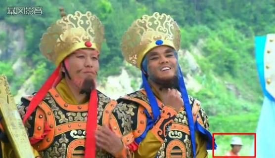 Sạn hài hước trong phim Hoa ngữ: Thời Tam Quốc có ô tô, người cổ đại đi giày Tây - Ảnh 9.