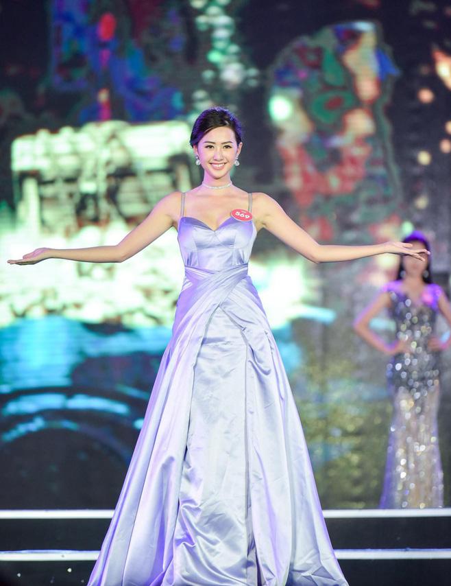 Cận cảnh nhan sắc nữ tiếp viên hàng không gây chú ý, lọt Chung kết Hoa hậu Việt Nam 2018 - Ảnh 8.