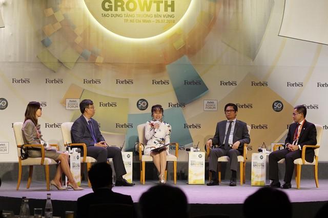 Nữ tỷ phú Nguyễn Thị Phương Thảo: Hãy tới sân bay để cảm nhận phần nào sức sống của nền kinh tế Việt Nam  - Ảnh 1.