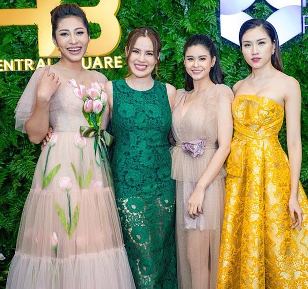 Hoa hậu Đặng Thu Thảo khoe sắc cùng dàn người đẹp  - Ảnh 2.