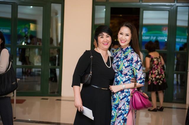 """Hoa hậu Dương Thùy Linh: Phút tỏa sáng ở tuổi 35 của người đẹp có gia thế """"khủng"""" - Ảnh 1."""