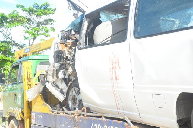 Hình ảnh chiếc xe khách vụ tai nạn giao thông ở Quảng Nam.