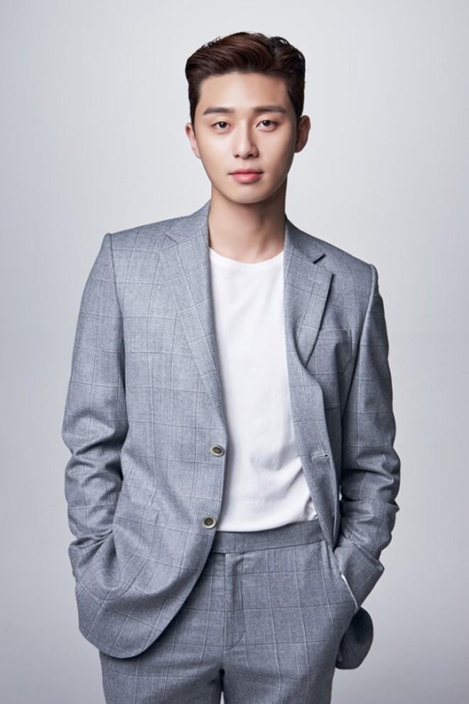Cuối cùngPark Seo Joon cũng đích thân lên tiếng về chuyện tình cảm, úp mở về cơ hội đến với Park Min Young - Ảnh 1.