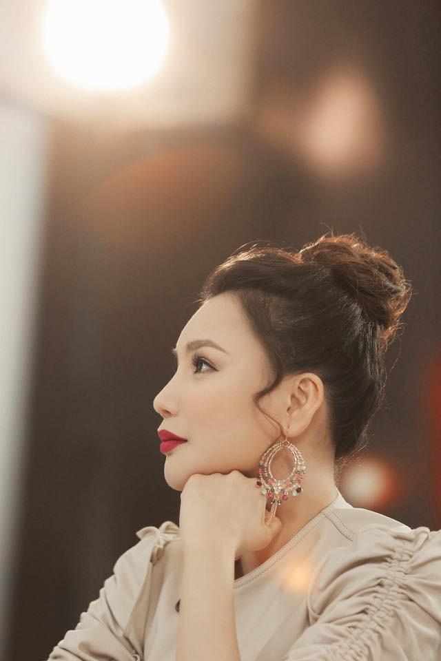 """Hồ Quỳnh Hương: """"Người đàn bà của Hà Dũng"""" một thời nay là quý cô độc thân 38 tuổi với triết lý sống đáng ngưỡng mộ - Ảnh 4."""