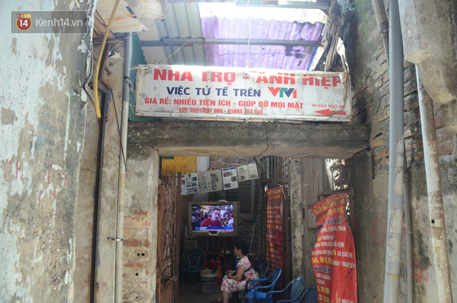 Tình người trong dãy trọ 15k/ đêm ở Hà Nội: Ông chủ tự bỏ tiền túi lắp điều hòa, quạt mát cho người nghèo trốn nóng - Ảnh 7.