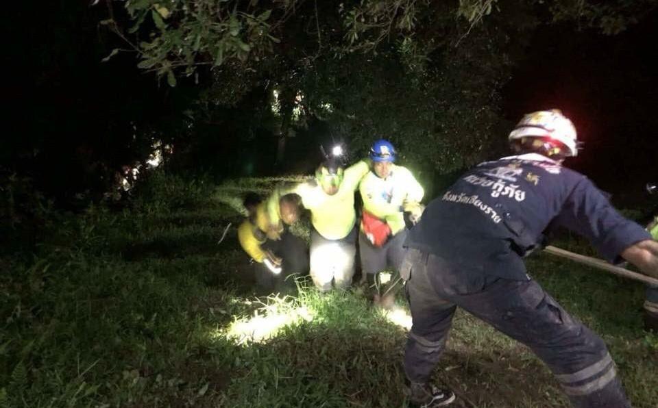 Thêm 10 người trong đội cứu hộ bị thương khi tìm cách giải cứu đội bóng Thái Lan