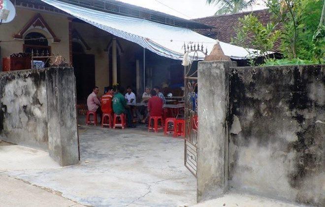 Đi phá tường nhà giúp hàng xóm, 2 người đàn ông bị tường sập đè tử vong - Ảnh 1.