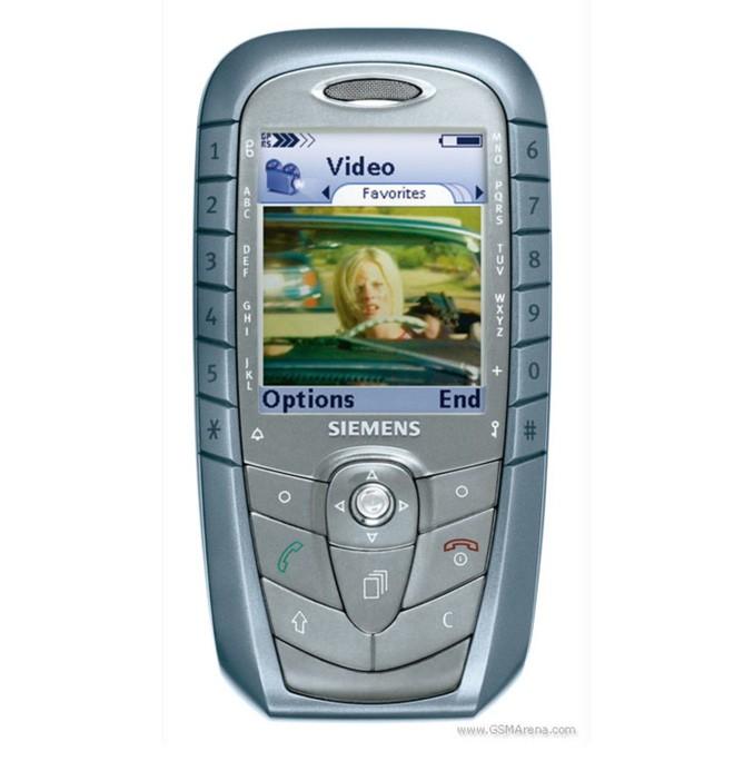 Từ thời đập đá cho đến kỷ nguyên smartphone, phong cách thiết kế điện thoại độc lạ vẫn còn đấy thôi! - Ảnh 1.