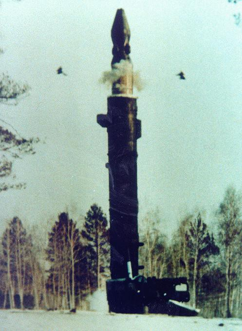 Tên lửa SS-20 Saber và cơn hoảng loạn của phương Tây - Ảnh 3.