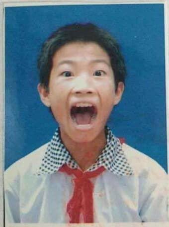 Những tấm ảnh thẻ đáng quên: Người cười chúm chím, kẻ run sợ như sắp khóc òa - ảnh 1