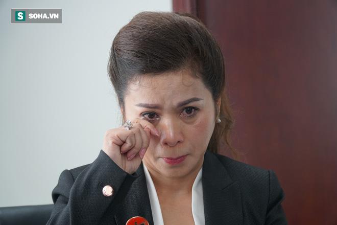 Bà Lê Hoàng Diệp Thảo: Tôi cố đến cùng để cứu anh Vũ, cứu Trung Nguyên - Ảnh 8.