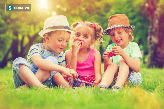 7 quy tắc vàng để nuôi dạy được một đứa trẻ hạnh phúc, bố mẹ nhất định không được bỏ qua - Ảnh 1.