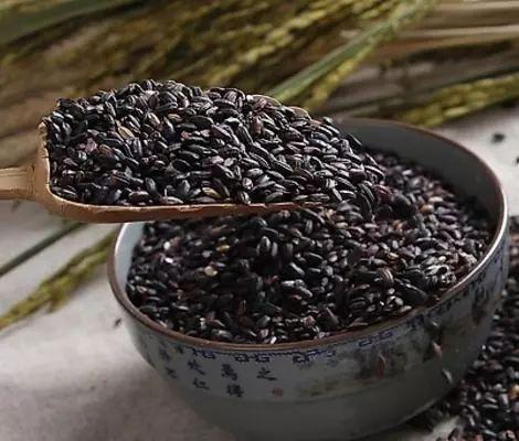 Nguyên tắc dinh dưỡng ăn ít 3 trắng, ăn nhiều 3 đen ai cũng cần biết để luôn khoẻ mạnh - Ảnh 6.