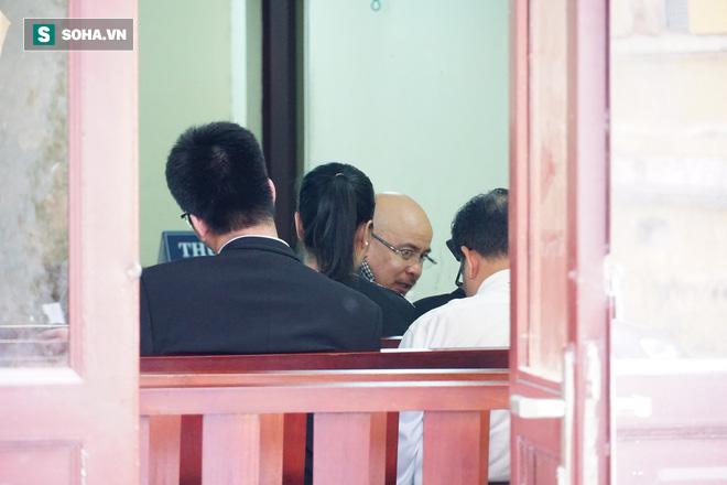 Ông Đặng Lê Nguyên Vũ khiếu nại việc bị quay lén trong phiên hòa giải vụ ly hôn nghìn tỷ - Ảnh 1.