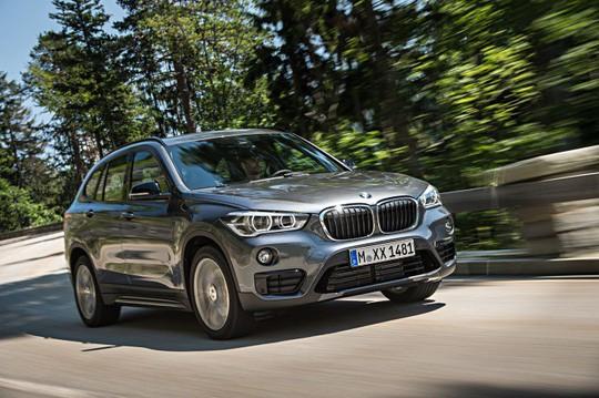 Lô xe BMW mới do Thaco nhập khẩu đã về cảng - Ảnh 1.
