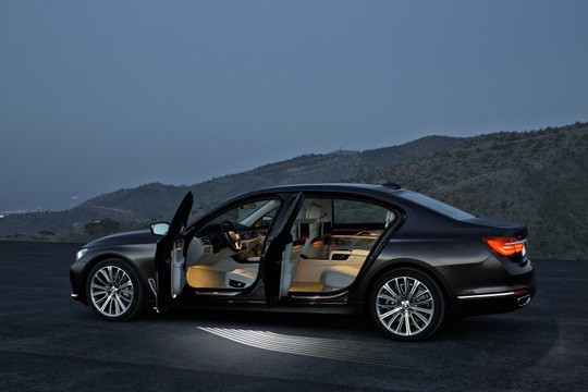 Lô xe BMW mới do Thaco nhập khẩu đã về cảng - Ảnh 3.