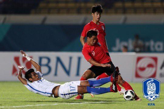 Cả Đông Nam Á tự hào, fan Hàn Quốc nổi giận sau trận cầu khó tin - Ảnh 1.