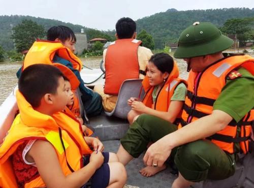 Hàng nghìn hộ dân thành phố Thanh Hóa ngập trong nước - Ảnh 4.