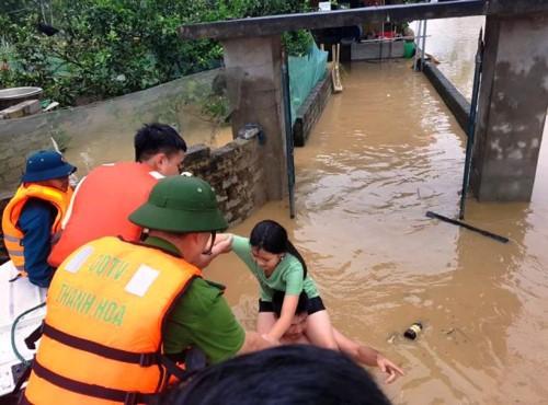 Hàng nghìn hộ dân thành phố Thanh Hóa ngập trong nước - Ảnh 5.