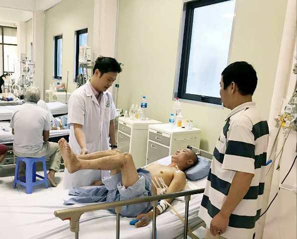 Cực kỳ hiếm gặp: Đinh nhọn 12cm đâm qua đỉnh phổi, xuyên thẳng vào tủy sống bệnh nhân - Ảnh 4.