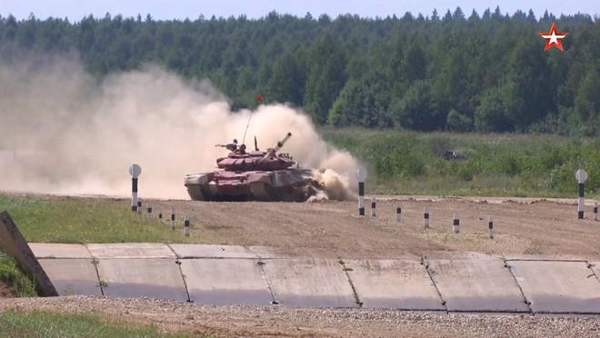 Đại tá Nguyễn Khắc Nguyệt: Tank Biathlon 2018 - Xe tăng T-72B3 bị đốt đít và gặp sự cố - Ảnh 2.
