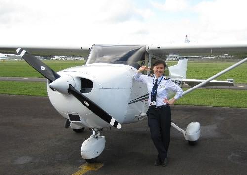 Chân dung nữ cơ trưởng đầu tiên của hãng hàng không giá rẻ, top 10 nữ phi công trẻ nhất Việt Nam - Ảnh 4.