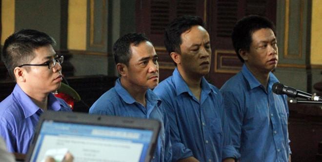 Cán bộ công an tiếp tay đường dây thuê Việt kiều buôn lậu siêu xe về Sài Gòn - Ảnh 2.