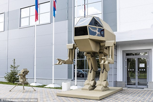 Robot sát thủ Nga lộ diện: Giống người ngoài hành tinh - Ảnh 4.
