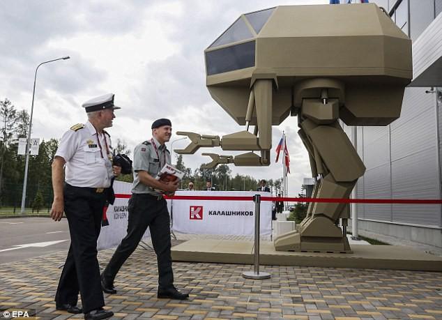 Robot sát thủ Nga lộ diện: Giống người ngoài hành tinh - Ảnh 5.