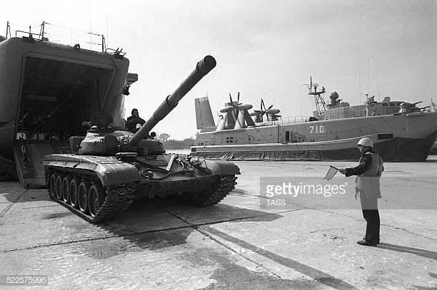 Những hình ảnh ấn tượng về cuộc tập trận lớn nhất lịch sử Liên Xô - ảnh 11