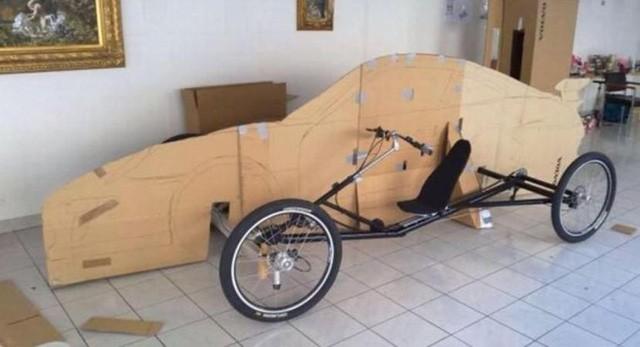 Nhìn qua cứ tưởng siêu xe Porsche 911 sang chảnh, nhưng sự thật lại là xe đạp trá hình - Ảnh 3.